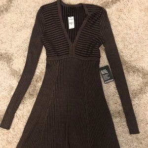 NWT EXPRESS VNECK RIBBED SWEATER DRESS